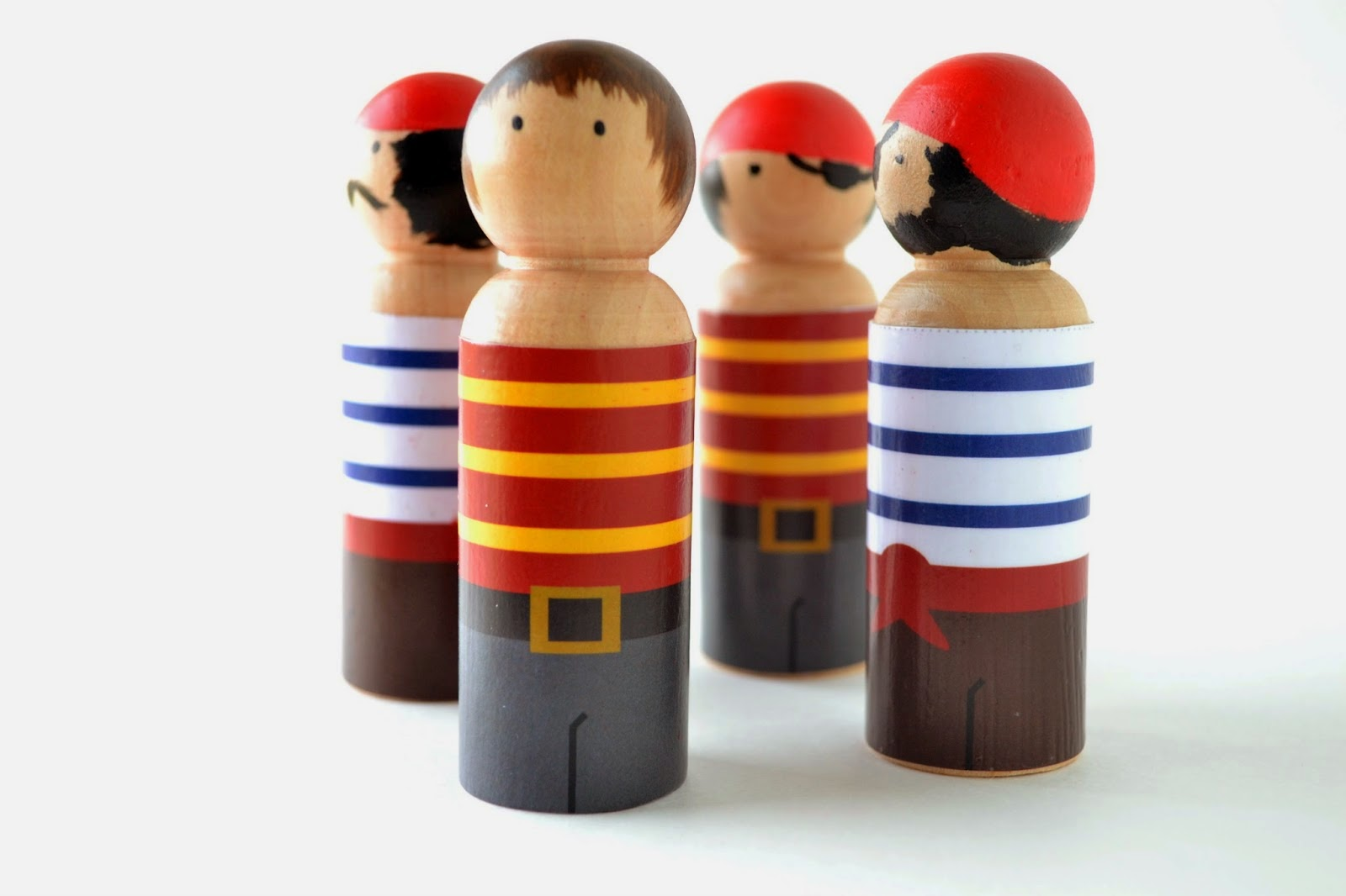 http://www.untrendylife.com/2014/03/peg-people-pirate-clothes-free-printable.html