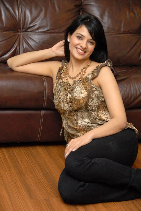 saloni new , saloni photo gallery
