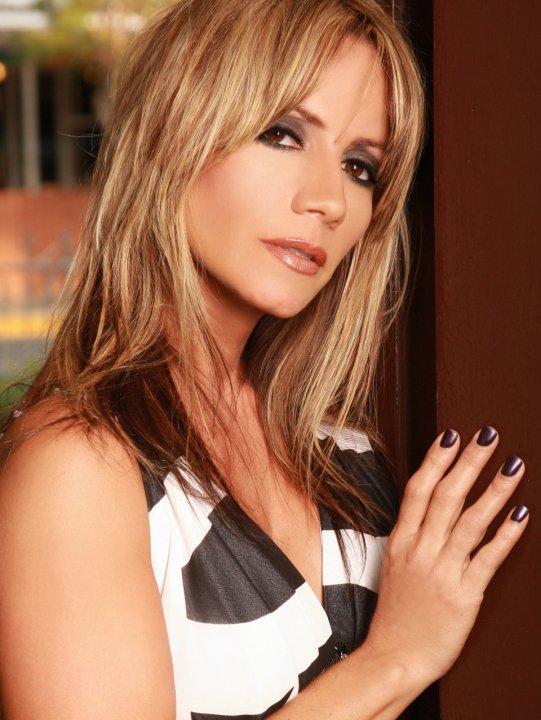 Melina Leon 2014
