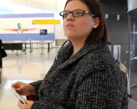 discriminação por ser gorda, mulher proibida de voar por ser muito pesada, eu adoro morar na internet