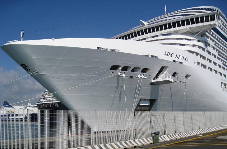 Economia del mare reportage a bordo della msc divina for Msc immagini