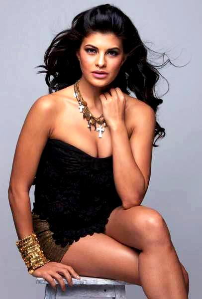 546781 513516368671204 592070271 n Bollywood Actresses Oops and Panty Upskirts