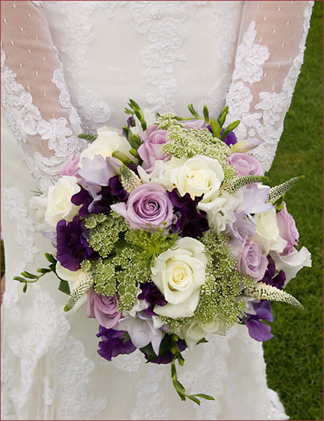 Ok wedding gallery latest wedding flowers bridal bouquets for Bridal flower bouquets ideas