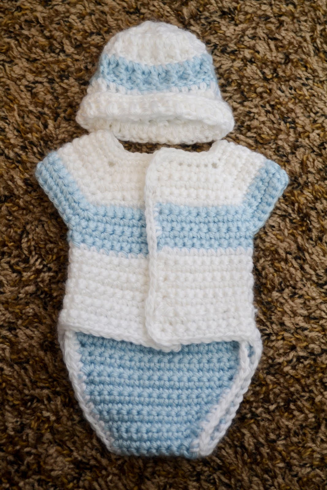 Free Crochet Patterns For Baby Boy Outfits : Love you more than a bus: Angel Baby Diaper Shirt Pattern