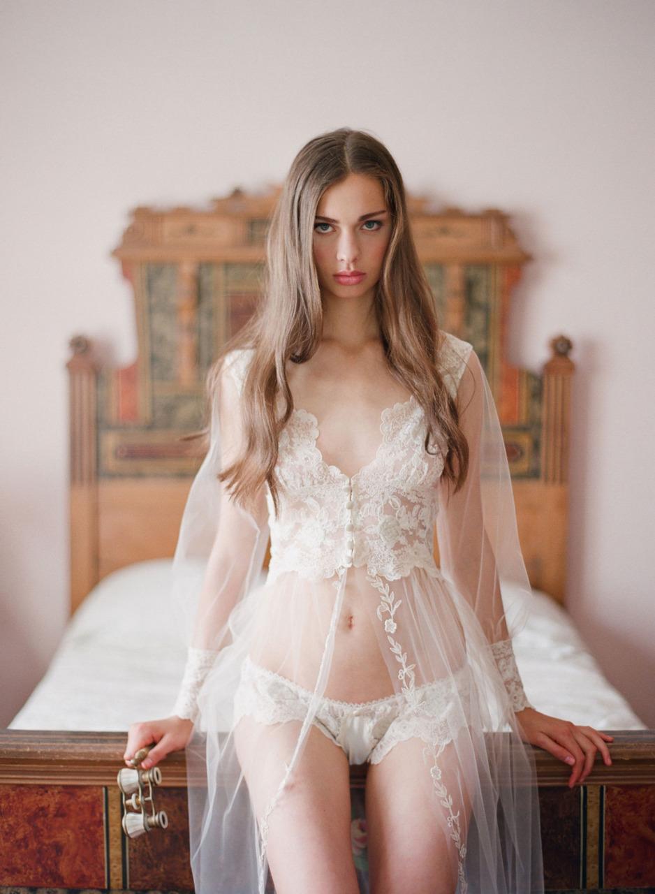 Секс на фото молоденькая невеста дала 6 фотография