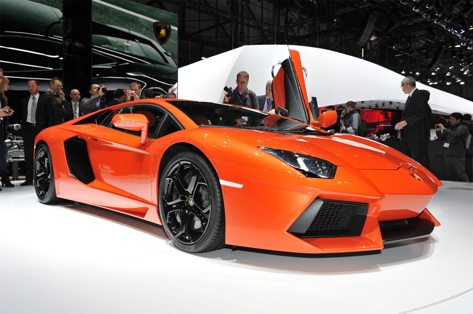 Cristiano Ronaldo se dá de presente Lamborghini Aventador ...