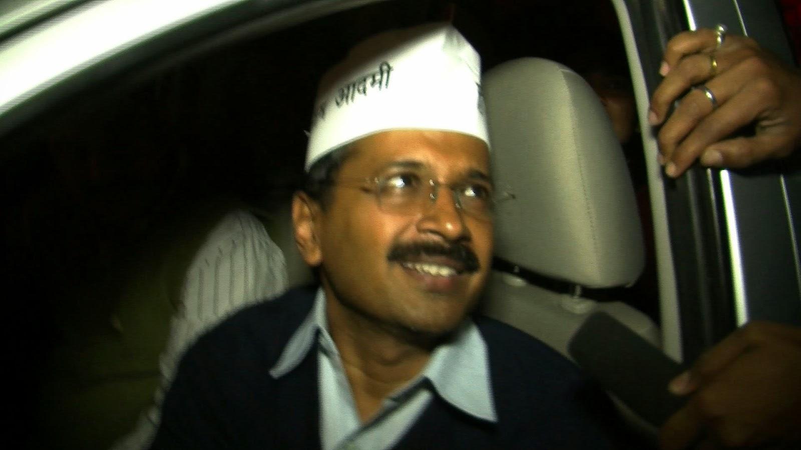 Arvind kejriwal in car free nice wallpaper