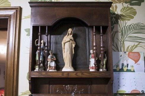 Patung Bunda Maria yang Bersinar di Belgia
