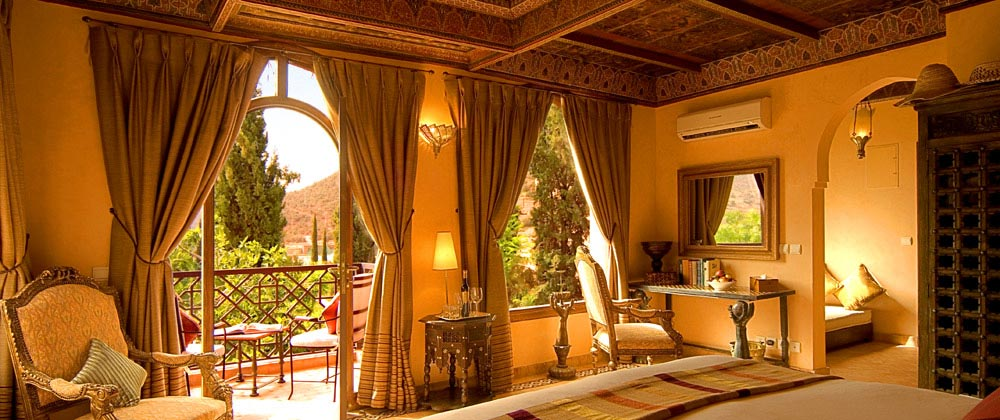 Rg into the studio ooh la la what romantic bedrooms for Iblaresort design boutique hotel ragusa rg