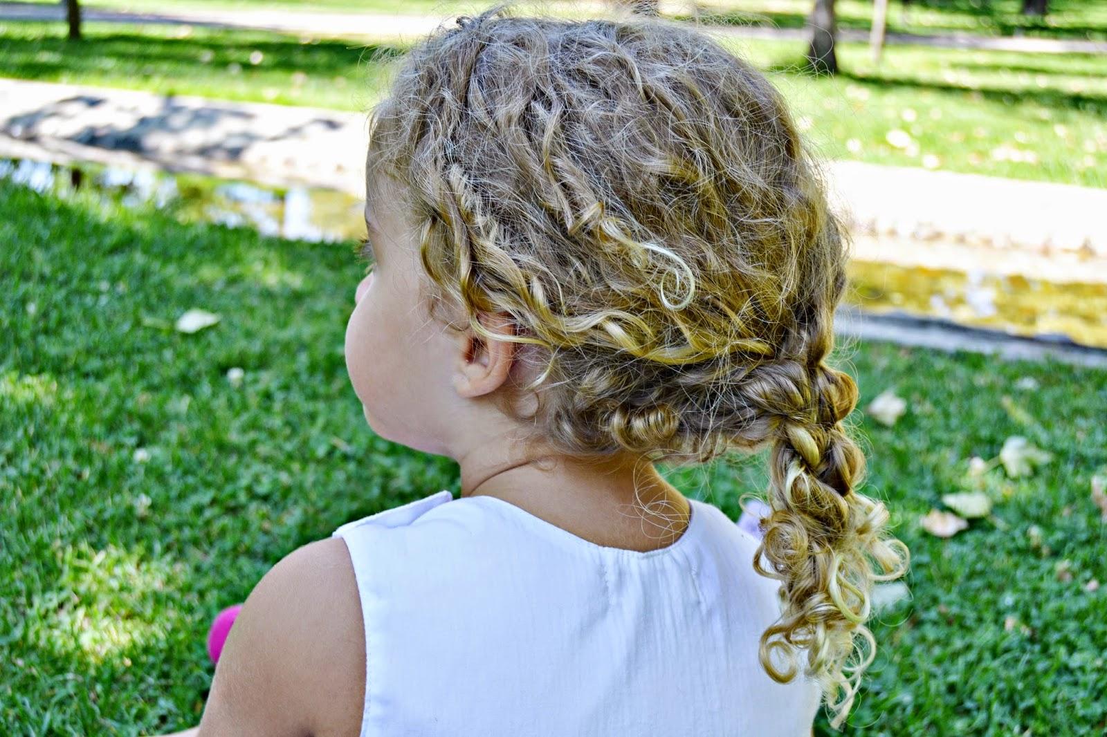 cómo peinar pelo rizado niña blog infantil mama de noa