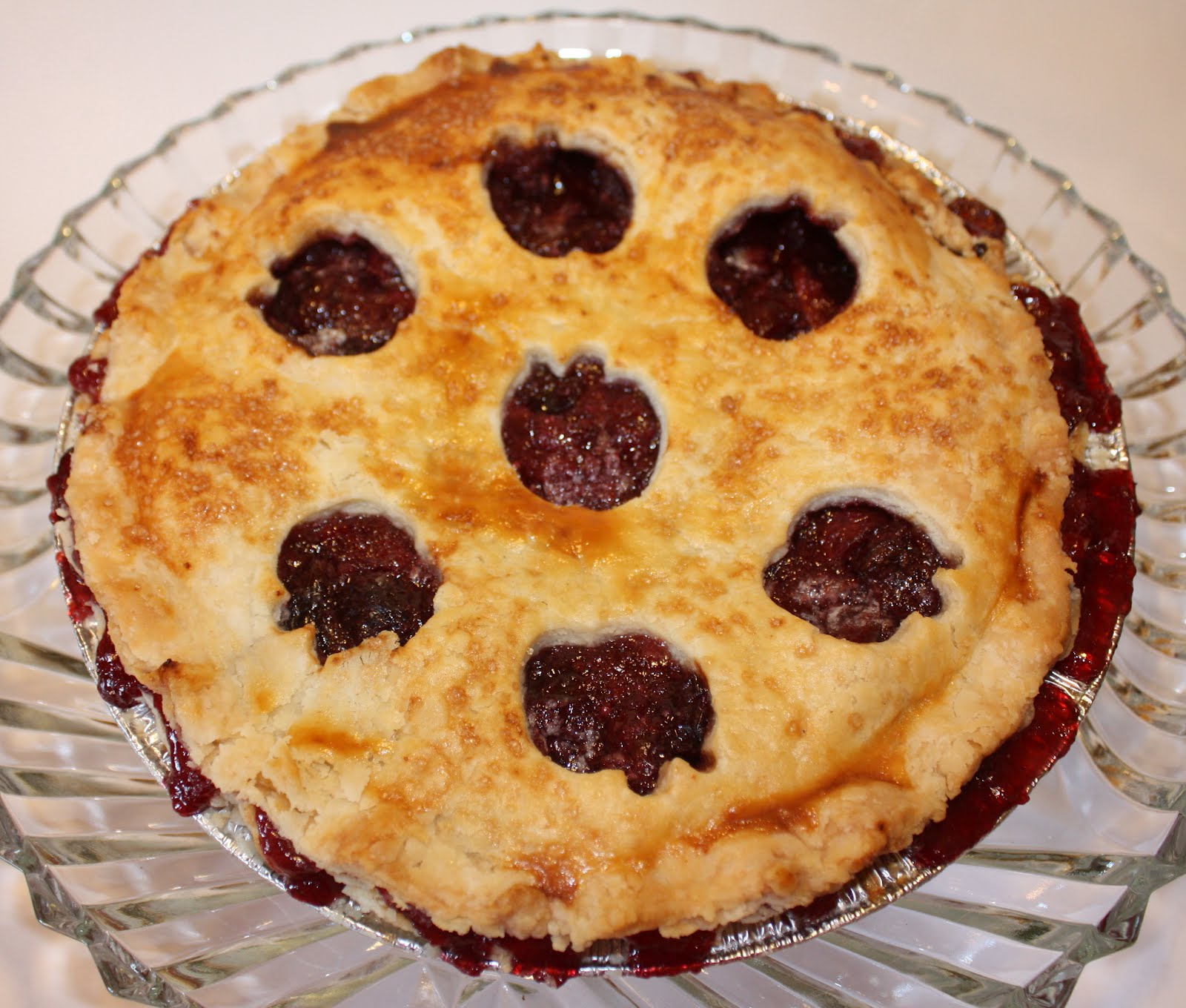 VOILA! Sweet cherry pie! This recipe is from one of my favorite food ...