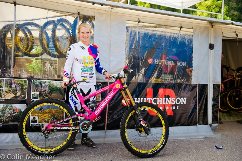 http://www.pinkbike.com/news/Tracey-Hannah-Bike-Check-Val-di-Sole-2012.html