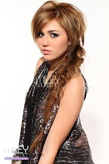 Miley Cyrus SNL005.jpg