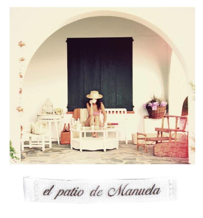 el patio de Manuela