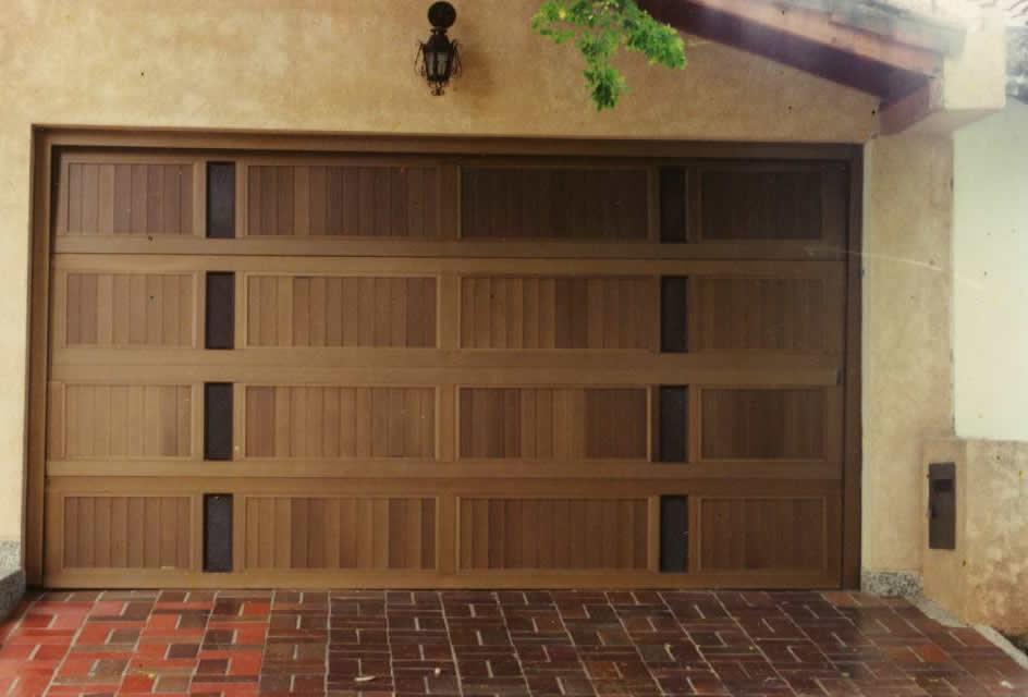 Las puertas para tu garaje algunos consejos decorando - Burletes para puertas de garaje ...