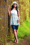 Rakshitha Glamorous Photos from Green Signal Movie-thumbnail-16