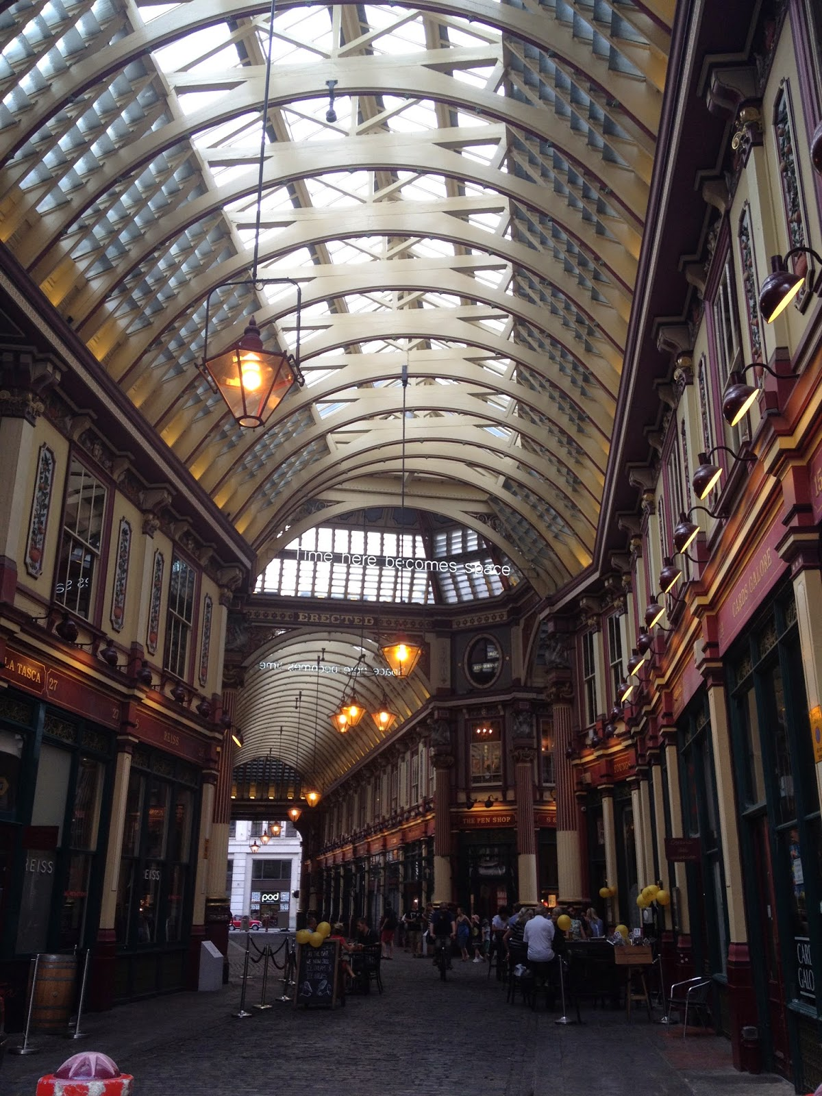 Leadenhall Market London (photo credit: http://researchandramblings.blogspot.com/)