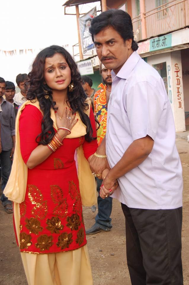 Gunjan Pant and Sanjay Panday Shooting stills of Bhojpuri Movie Yadav Pan Bhandar