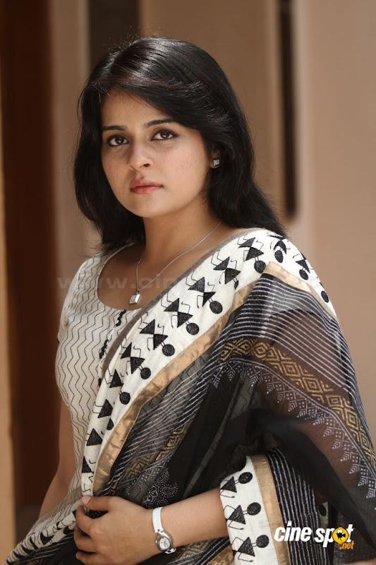 Roma Asrani  Malayalam movie actressSouth Actress photos wallpapers