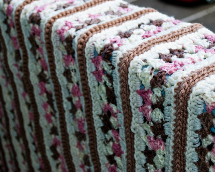 Pamz Creative Obsession: The Mile-a-Minute Afghan