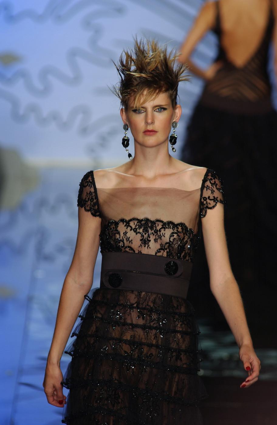 Valentino Haute Couture Fall/Winter 2001
