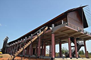 Rumah Panjang Kalimantan Barat