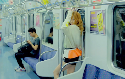 Psy Gangnam Style girl Hyuna subway poledancing