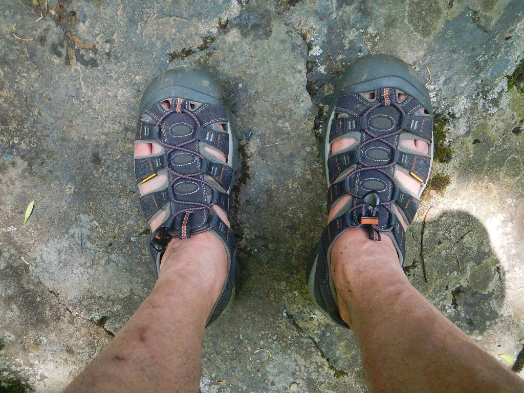 Sandals or shoes for hiking - I Ve Always Hiked In Wearing Regular Hiking Boots Or Shoes However I Thought I D Try Hiking In Wearing Keen H2 Waterproof Sandals