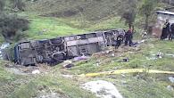 Unos 20 muertos y 25 heridos dejó despiste de bus en la Carretera Central El accidente se registró