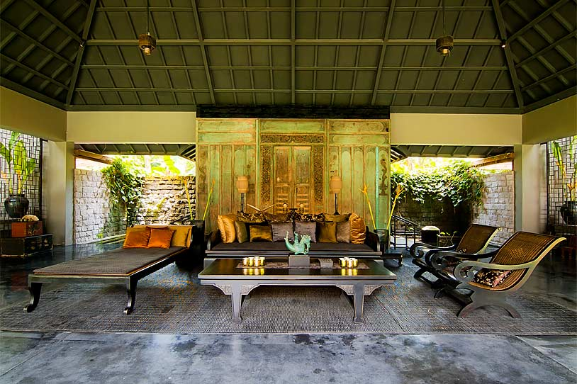 Home styling ana antunes magnificent houses casas for Bali home decoration