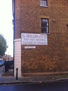 Old sign in Globe Street, Southwark, London SE1