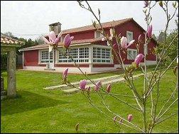 Casa Obra de Paño, casa de alquiler con Piscina en La Coruña, rías altas de Galicia