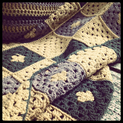 ByHaafner, crochet, pillow, throw, vegan yarn, mustard-green-ocre