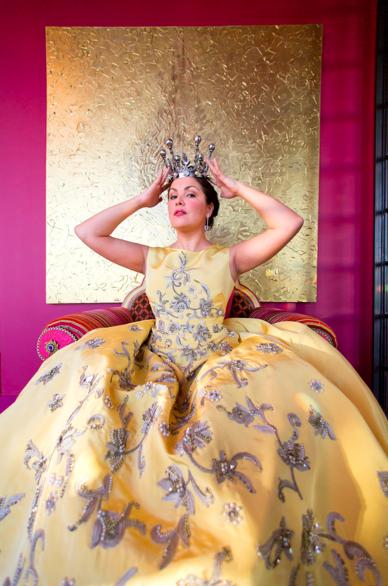 Opera fresh anna netrebko 39 s new york apartment has plenty - Anna netrebko casta diva ...