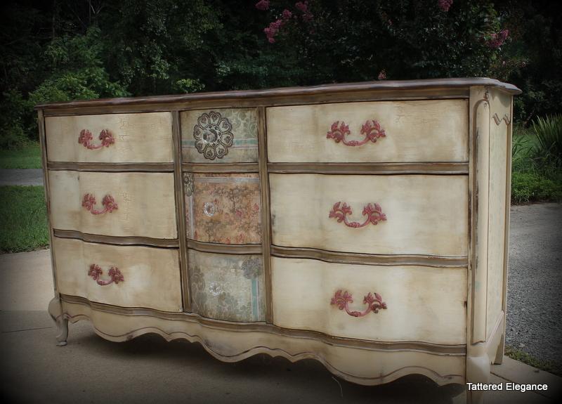 Tattered Elegance 9 Drawer French Provincial Dresser