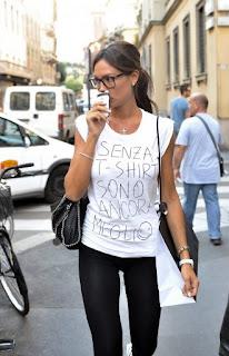 La maglietta VENDESI che indossa Nicole Minetti!