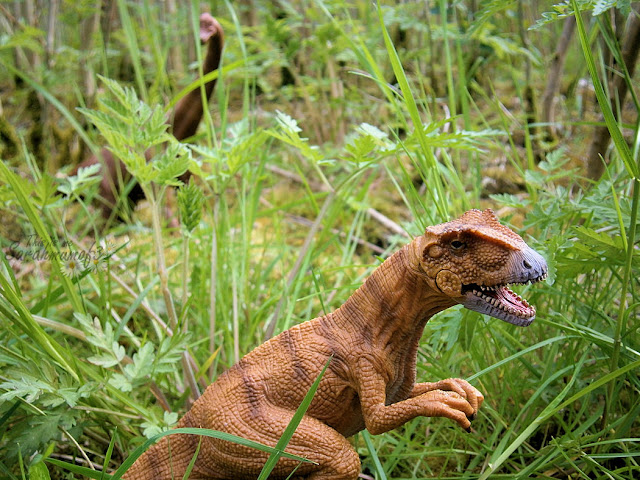 looks so real dinosaur toy