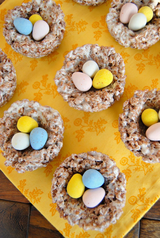 SteakNPotatoesKindaGurl: Cocoa Krispies Egg Nests