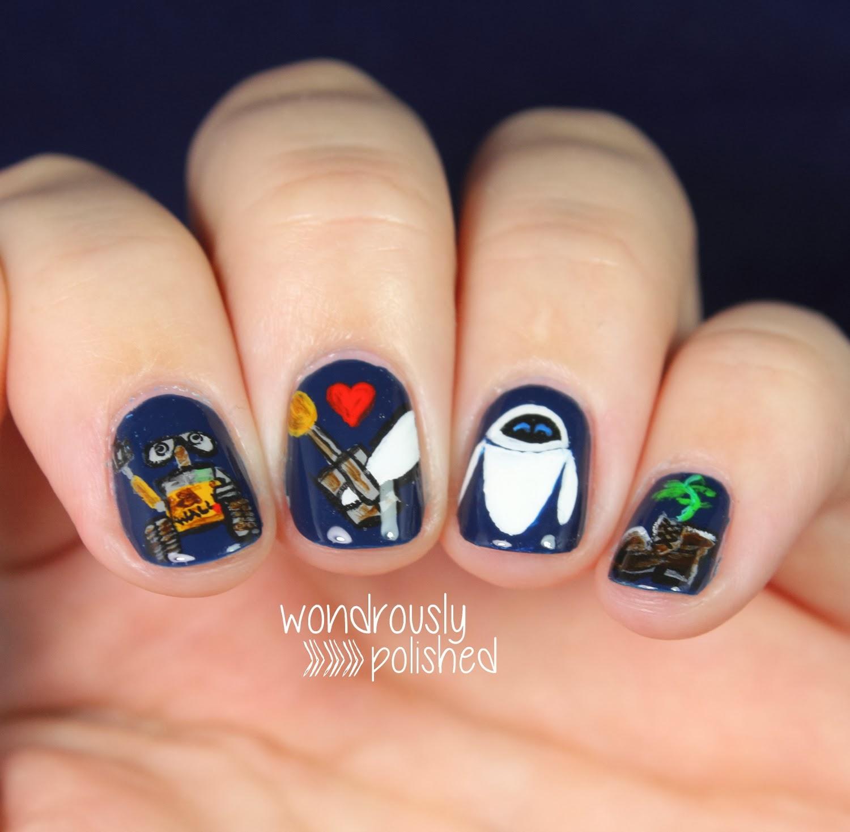 Wall-e nail art