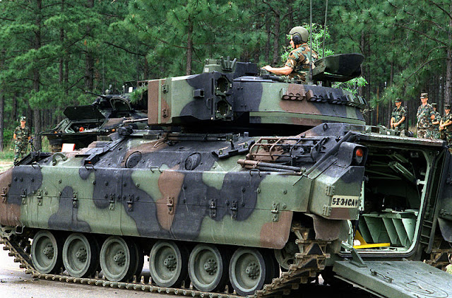 Foto APC M3 Bradley