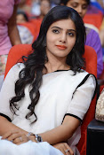 Samantha sizzling in white saree-thumbnail-12