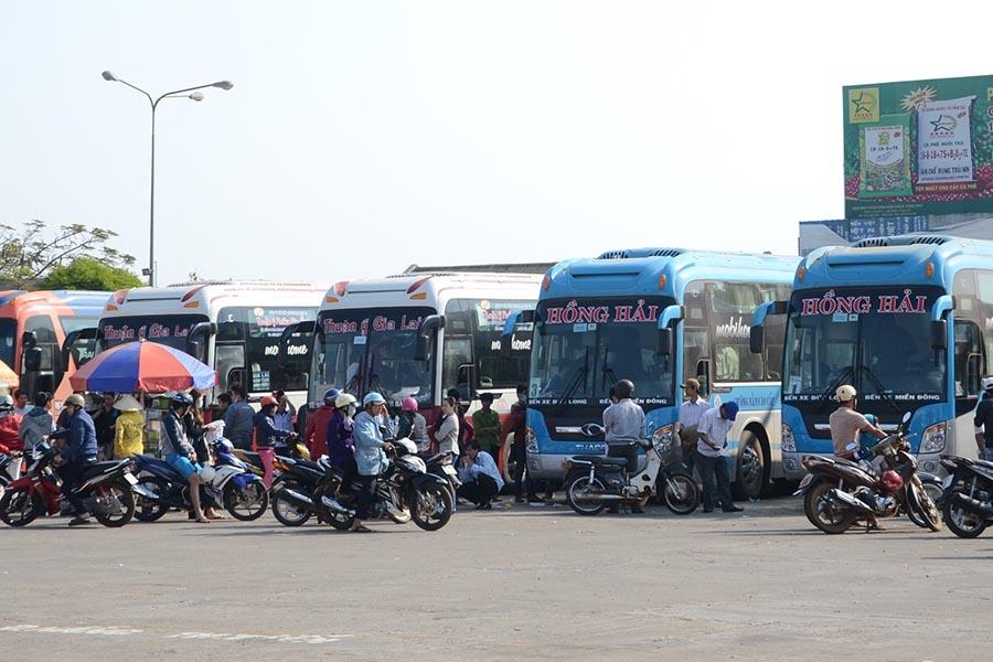 Gia Lai: Cước vận tải hành khách liên tục giảm giá - Lợi dụng khuyến mãi giảm giá? (1)