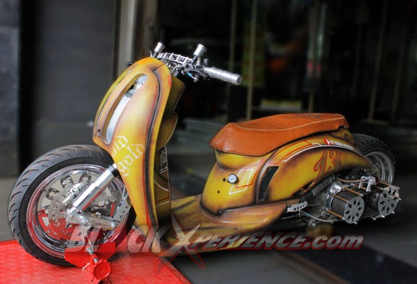 Modifikasi Honda Scoopy Style Low Rider Bodi Hotrod 2014