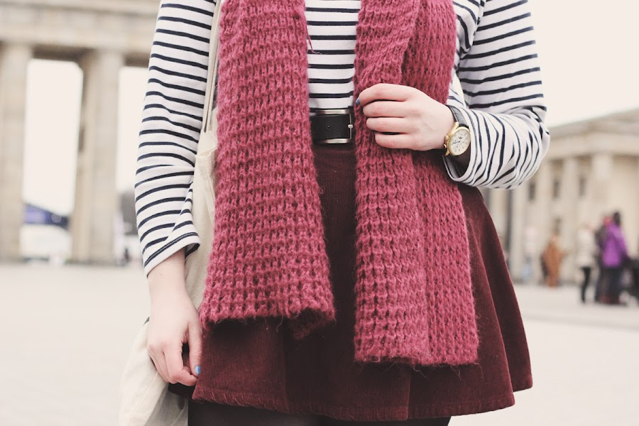 zara burgundy knitted scarf