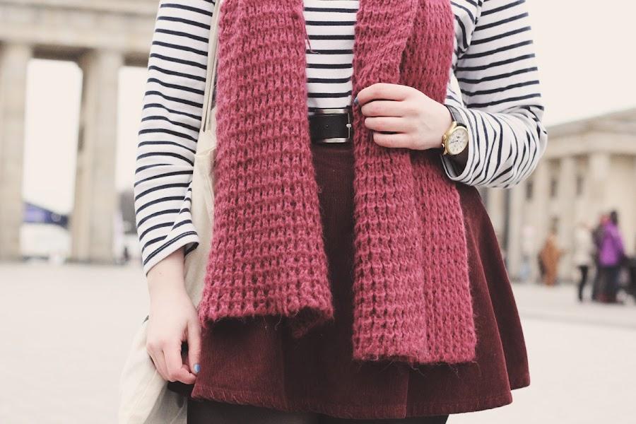 zara burgundy knitted scarf