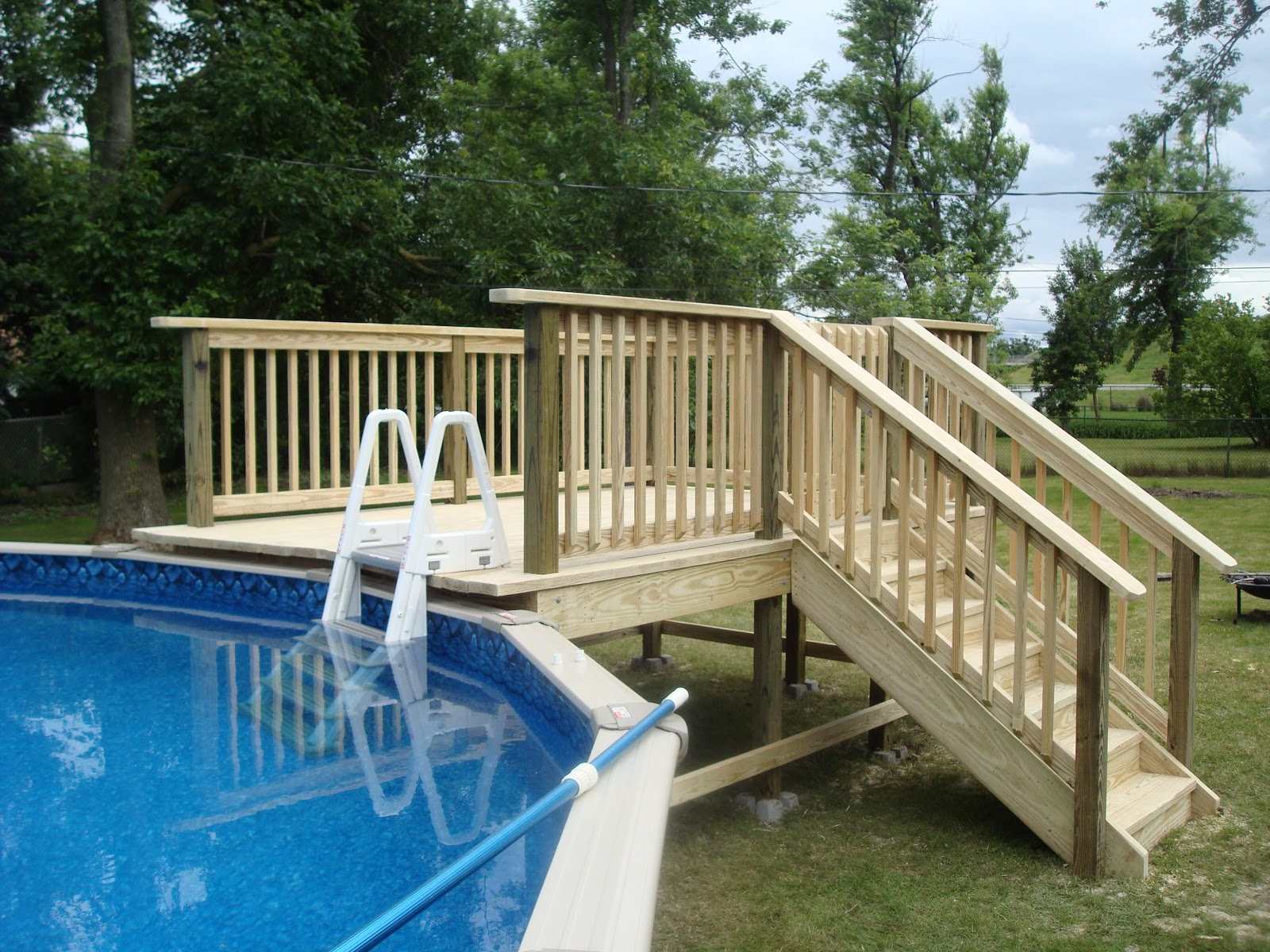 Curry custom decks for Wood pool deck design