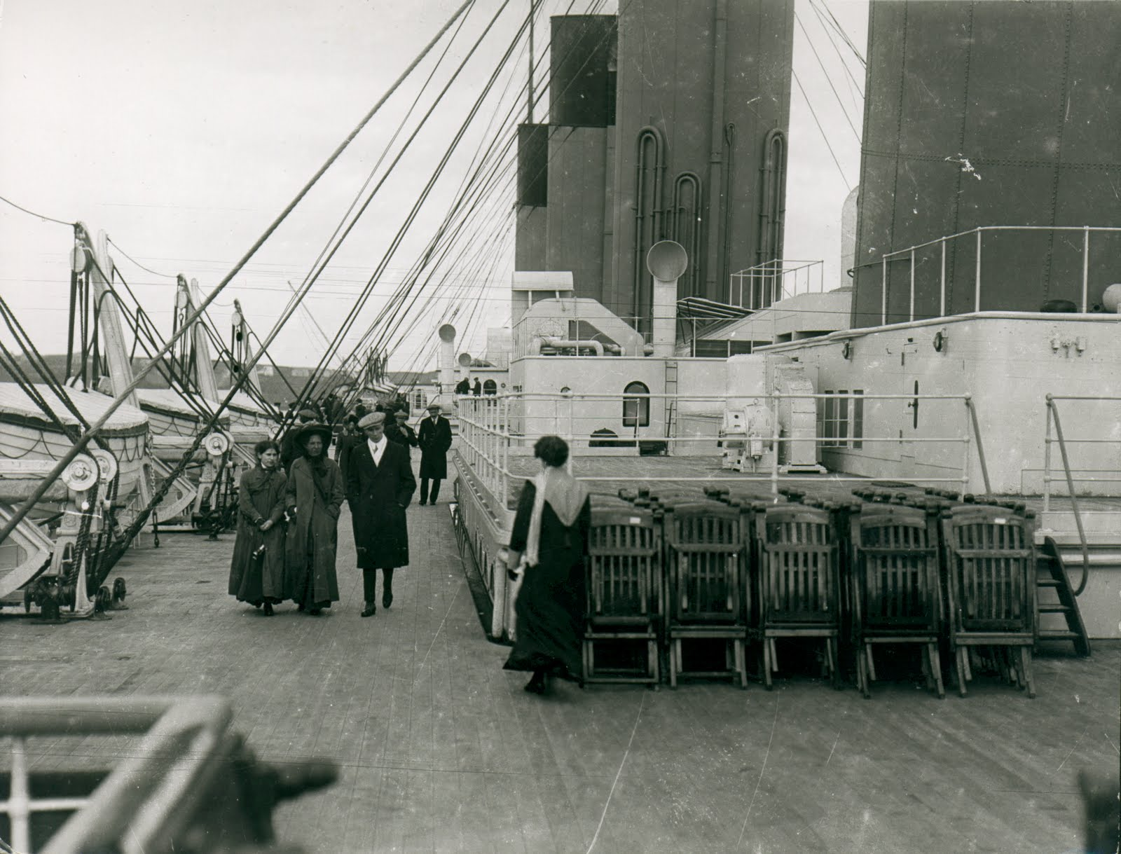 Christmas before Titanic - Página 4 Boat%2BDeck%2B11_4%2B1912