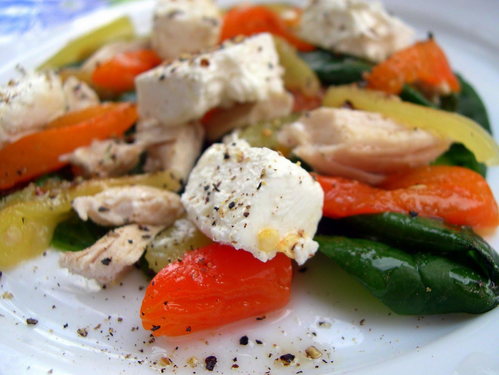 Салат с брынзой и курицей рецепт