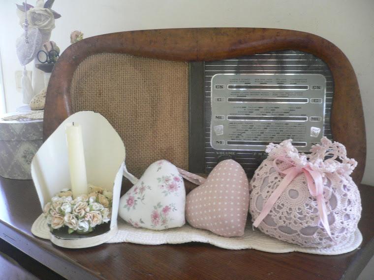 la radio della mia nonna una candela e ancora cuori!!!!|