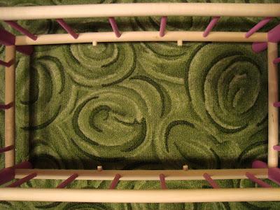 drewniane łóżeczko dla lalek galdrew z pościelą